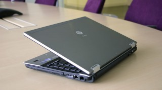 Hp Elitebook 8440P chơi LOL